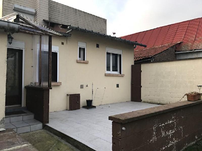 Annonce maison villa 4 pi ces 92 0 m 10 place du 8 for Garage ford saint quentin 02100